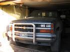 üsna suur auto väga väikeses garaazhis ;)